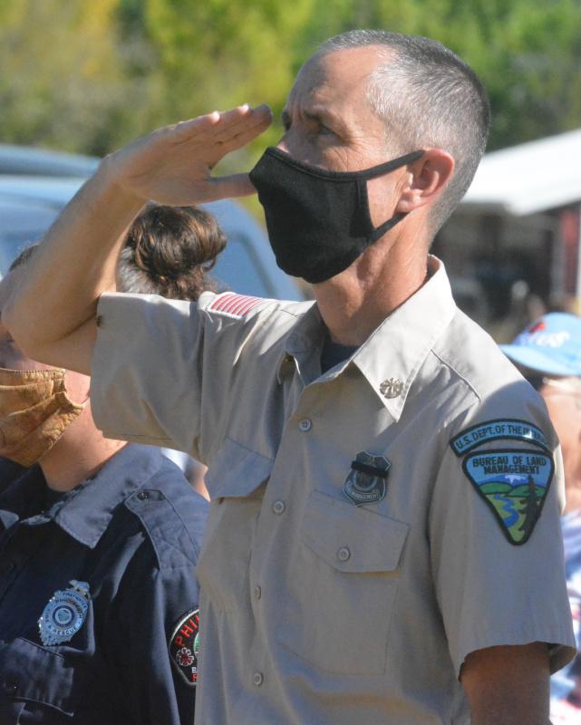091121-911-ceremony-blm-salute_0043