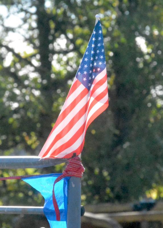 091121-911-ceremony-flag-bleachers_0055