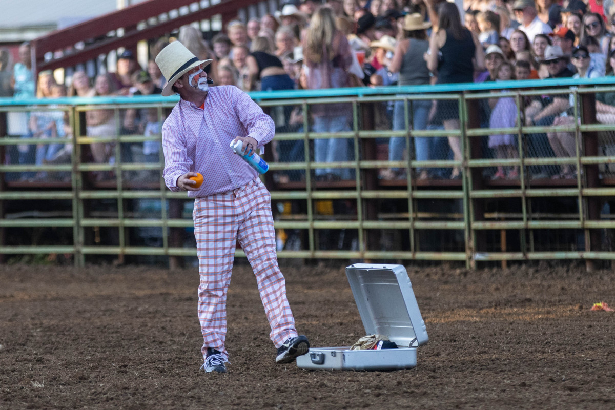 071021_frolic_day3_rodeo-23
