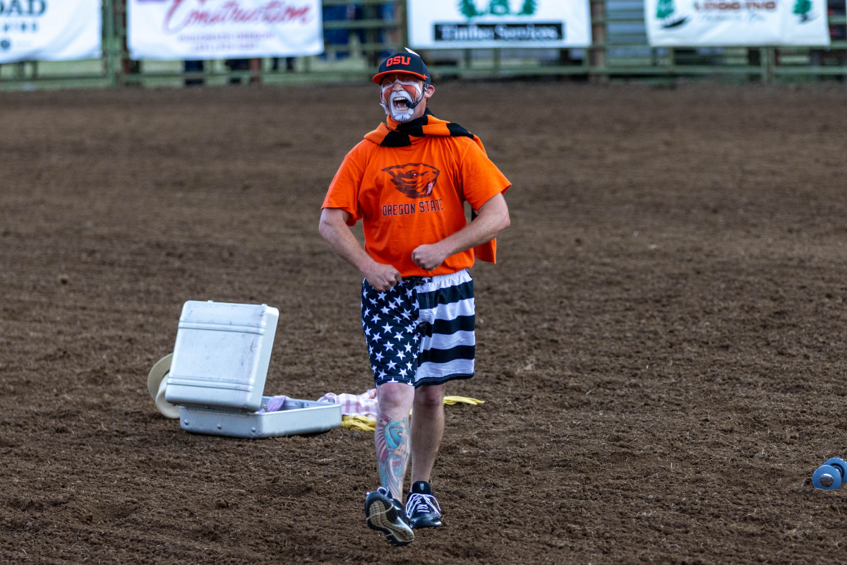 071021_frolic_day3_rodeo-25
