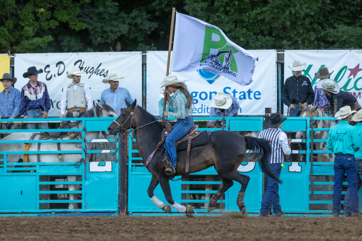 071021_frolic_day3_rodeo-29