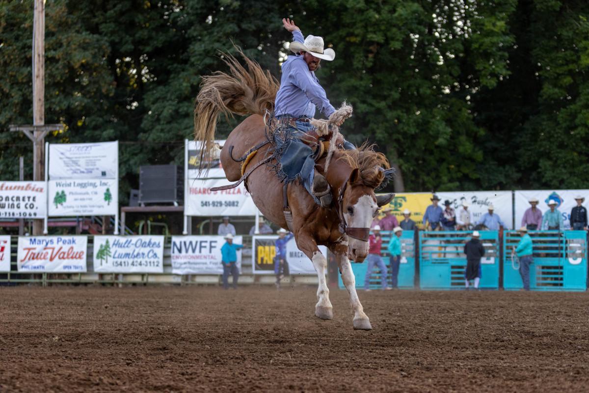 Ryan Verling-Winner Saddle Bronc