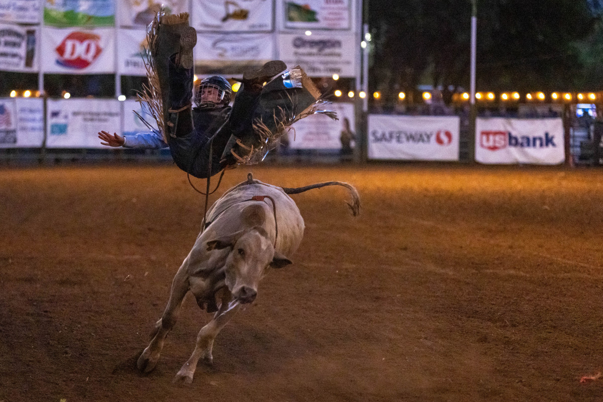 071021_frolic_day3_rodeo-84