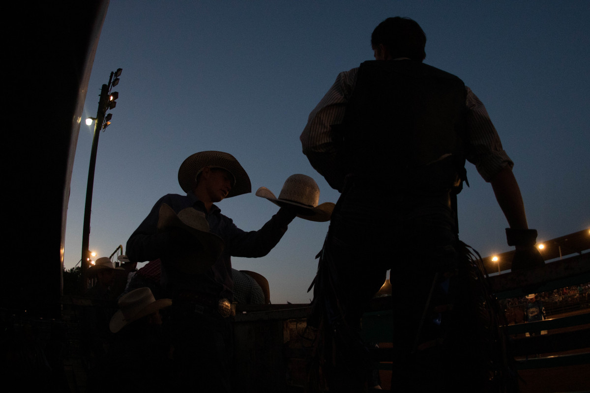 071021_frolic_day3_rodeo-85