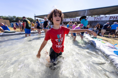 071021_frolic_day3_fishrodeo-14
