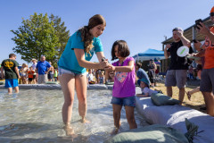 071021_frolic_day3_fishrodeo-19