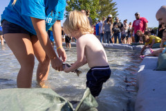 071021_frolic_day3_fishrodeo-23