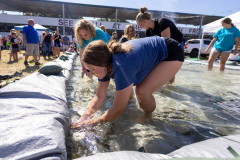071021_frolic_day3_fishrodeo-6