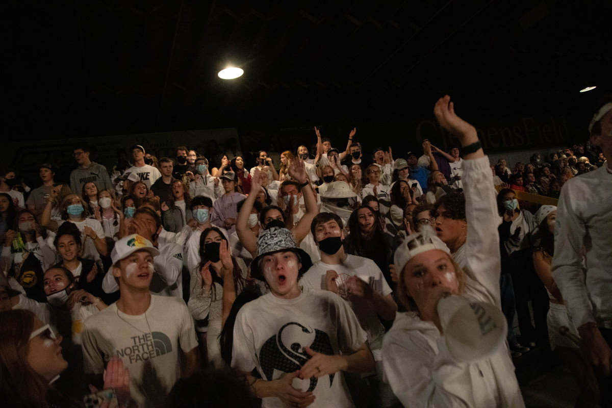 091721_fb_student_section_3550