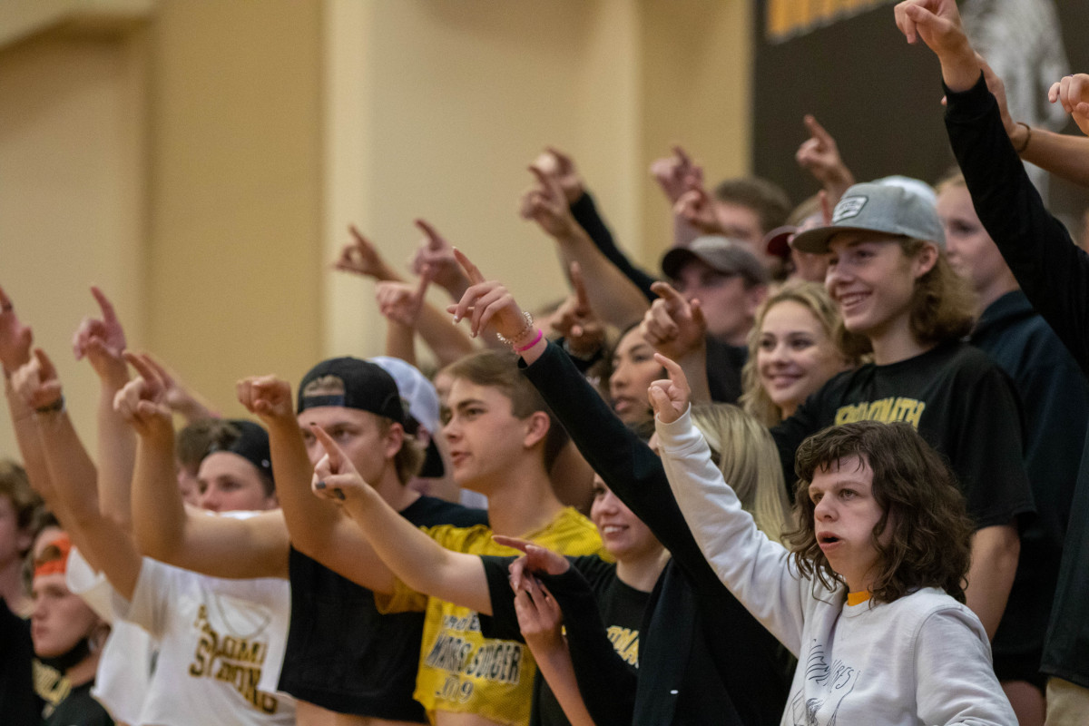 062221_gbb_student_section-17