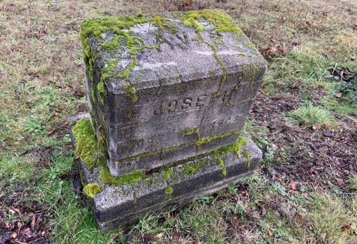 Grave marker for Joseph Davis