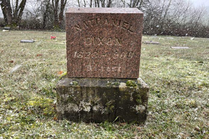 Grave marker for Nathaniel Dixon