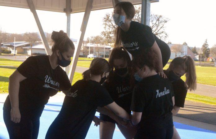 PHS cheerleaders