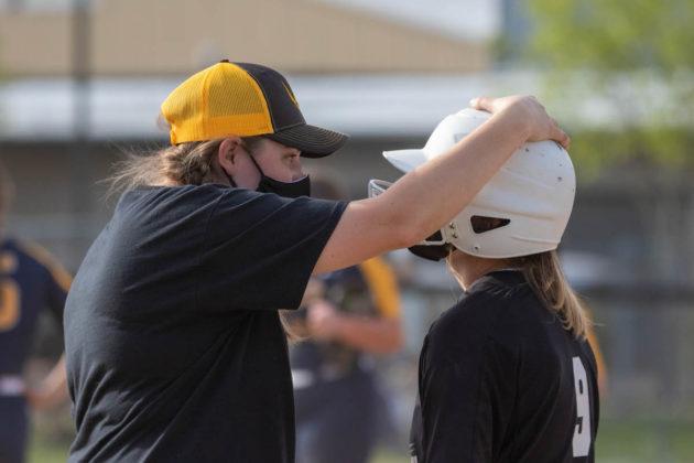 Assistant coach Adrienne Engle, Kyla Berger