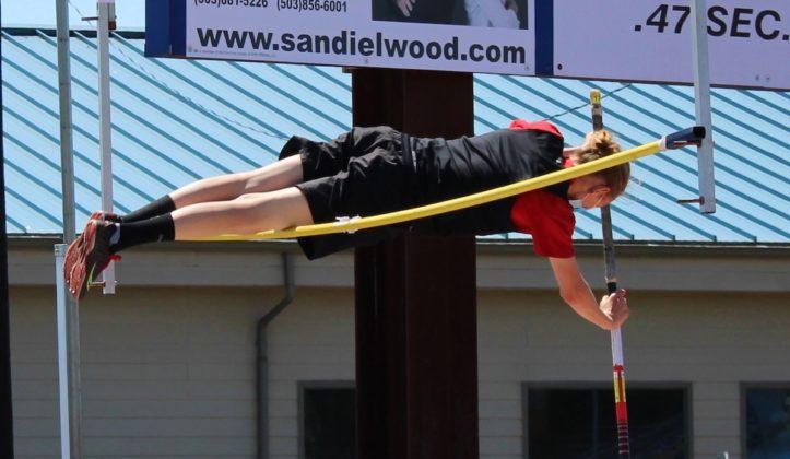 Aaron Schaffer in pole vault