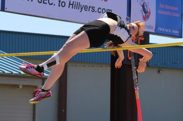 Emery Boutilier in pole vault