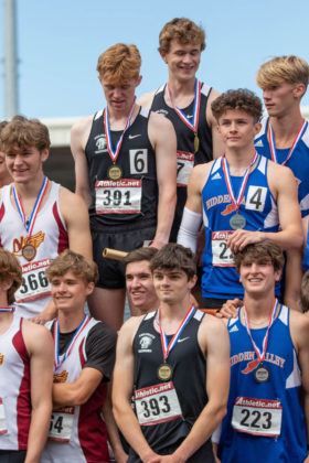Philomath's 4-by-400 relay