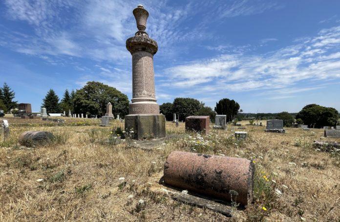 Eliza Davis grave marker