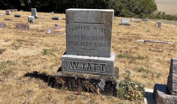 Thomas Wyatt's grave marker