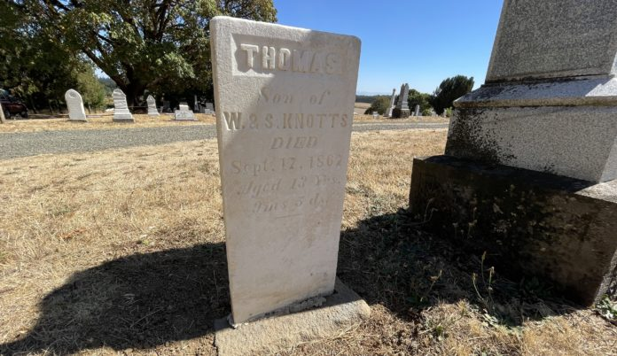 Thomas Knotts grave marker