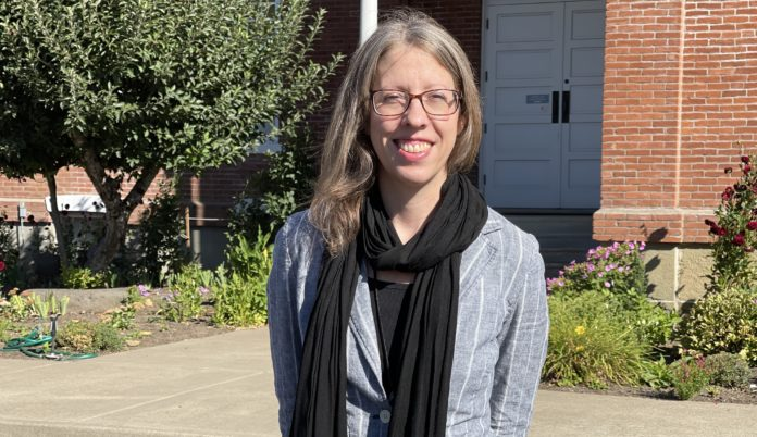 Jessica Hougen in front of the Philomath Museum